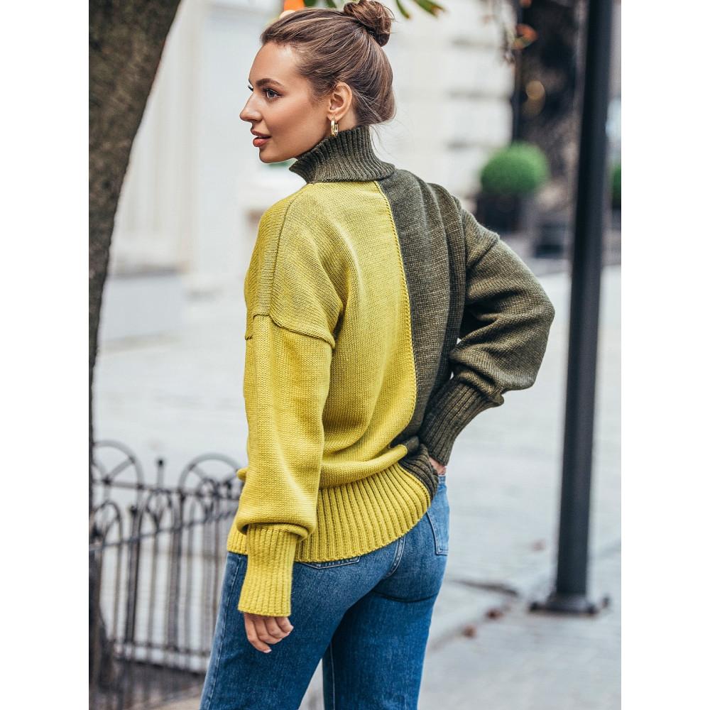 Интересный двухцветный свитер Би фото 3