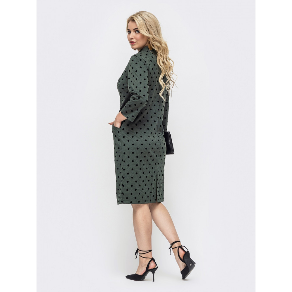 Зеленое офисное платье в горох фото 2