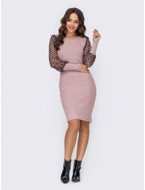 В'язана рожева сукня з прозорими рукавами