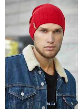 Красная мужская шапка Реал