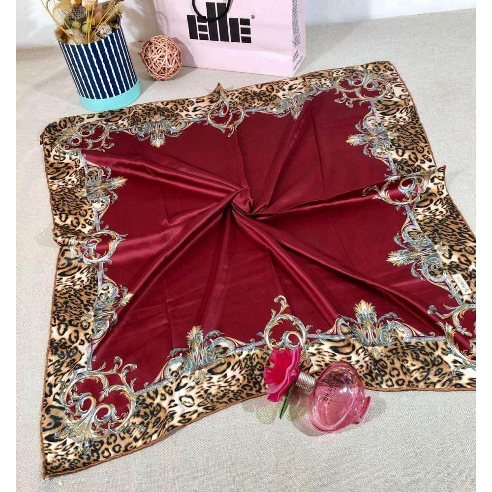Бордовый атласный платок фото 1