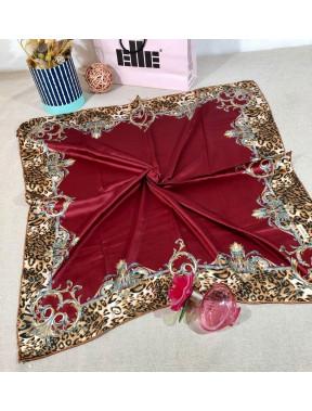 Бордовый атласный платок