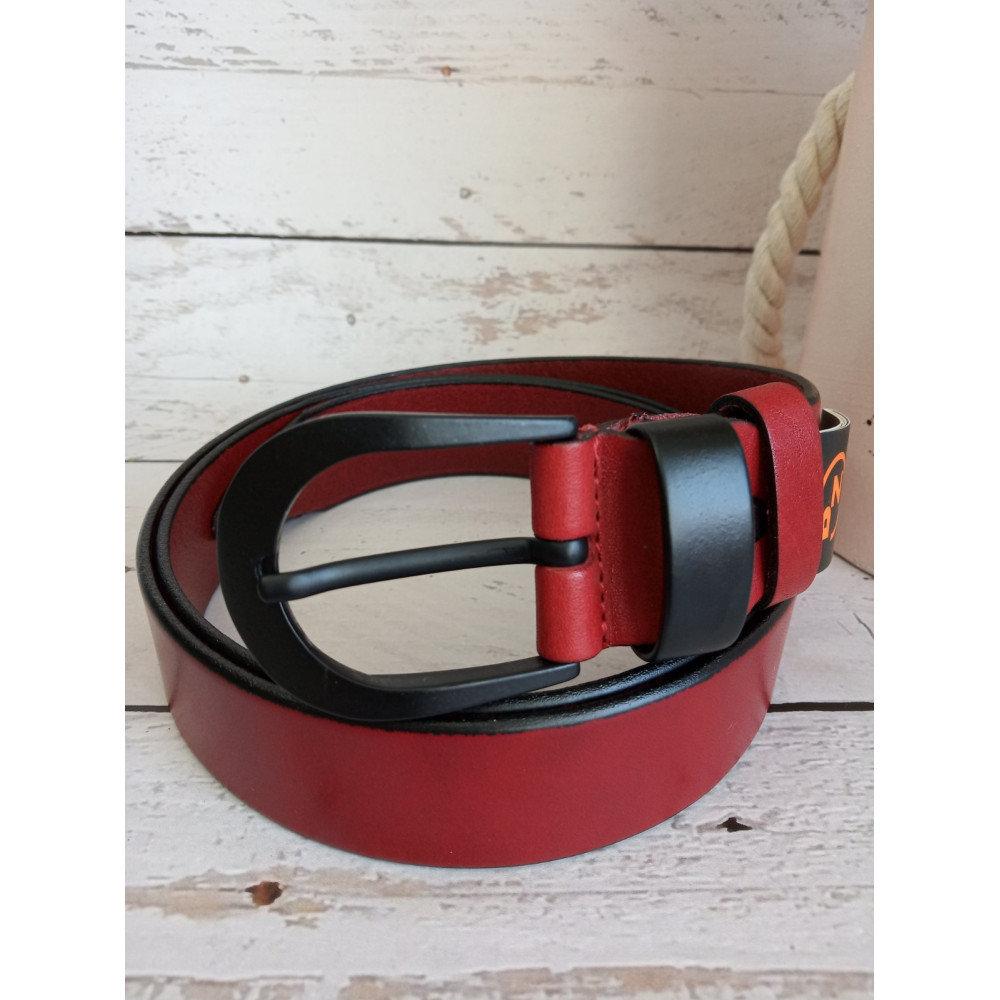 Бордовый ремень с матовой черной пряжкой фото 2