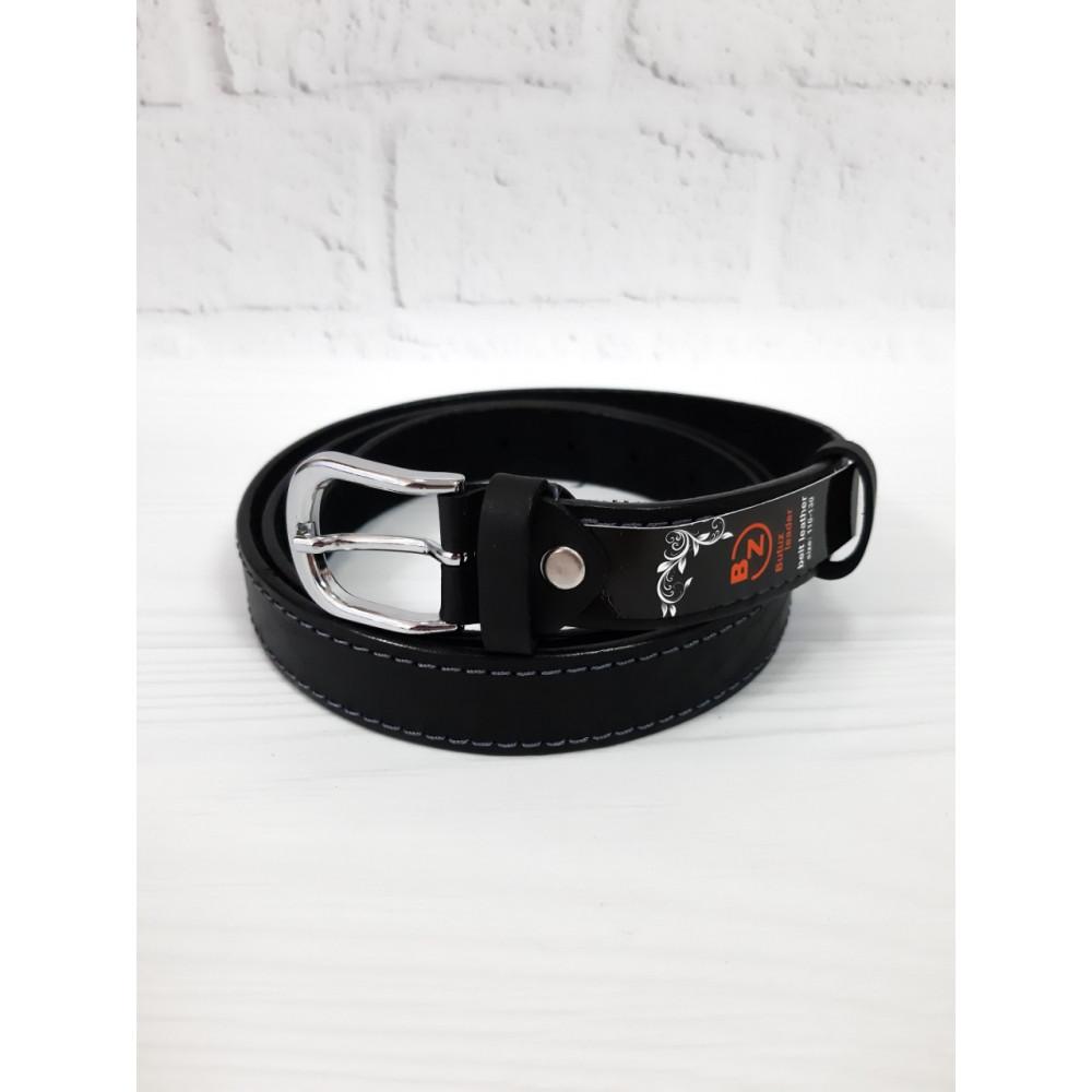 Кожаный ремень декорирован серыми нитками фото 1