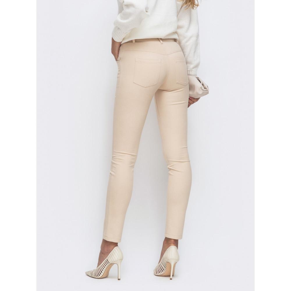 Зауженные брюки из замши фото 2