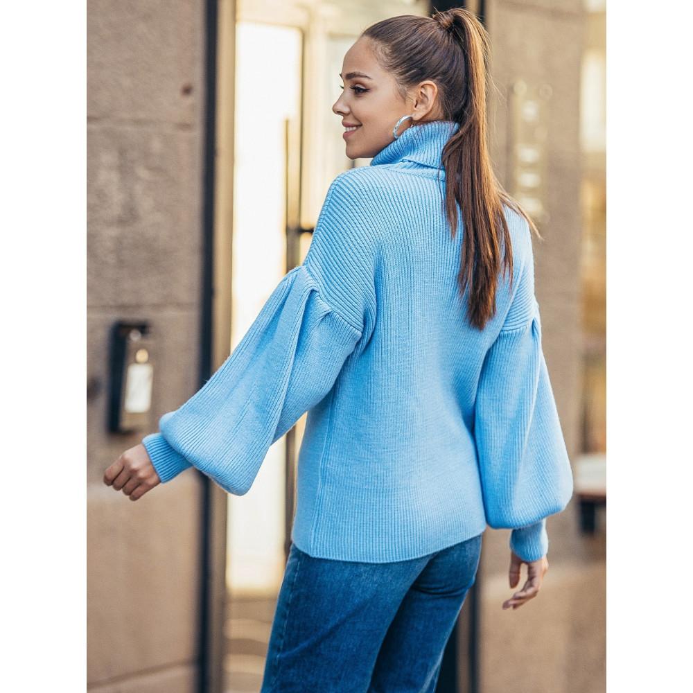 Голубой свитер с обьемными рукавами Тея фото 3
