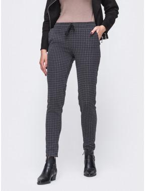 Теплые брюки в черно-серую гусиную лапку