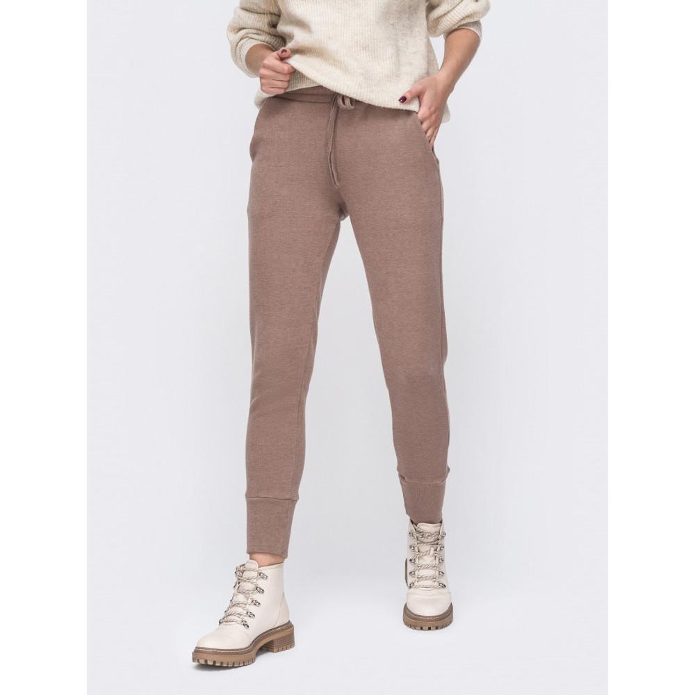 Кофейные теплые брюки в спортивном стиле фото 1