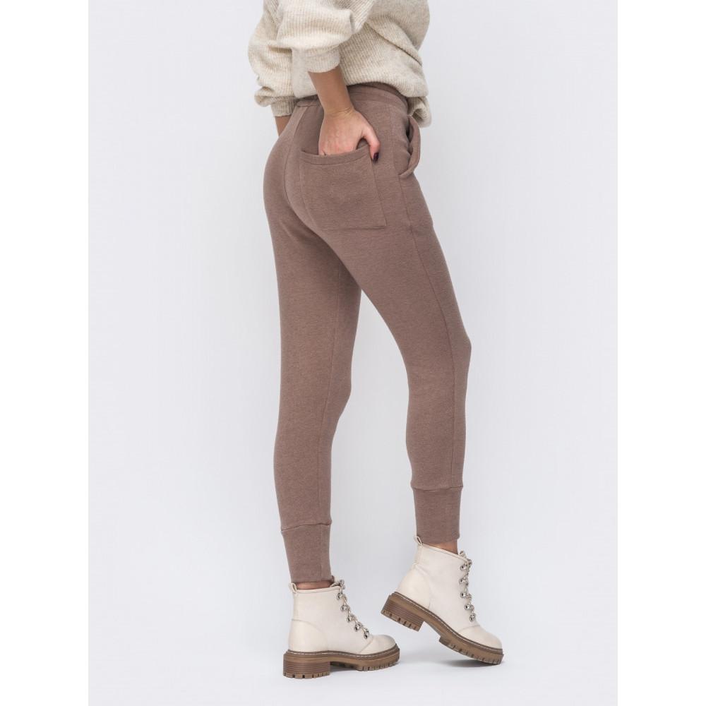 Кофейные теплые брюки в спортивном стиле фото 2