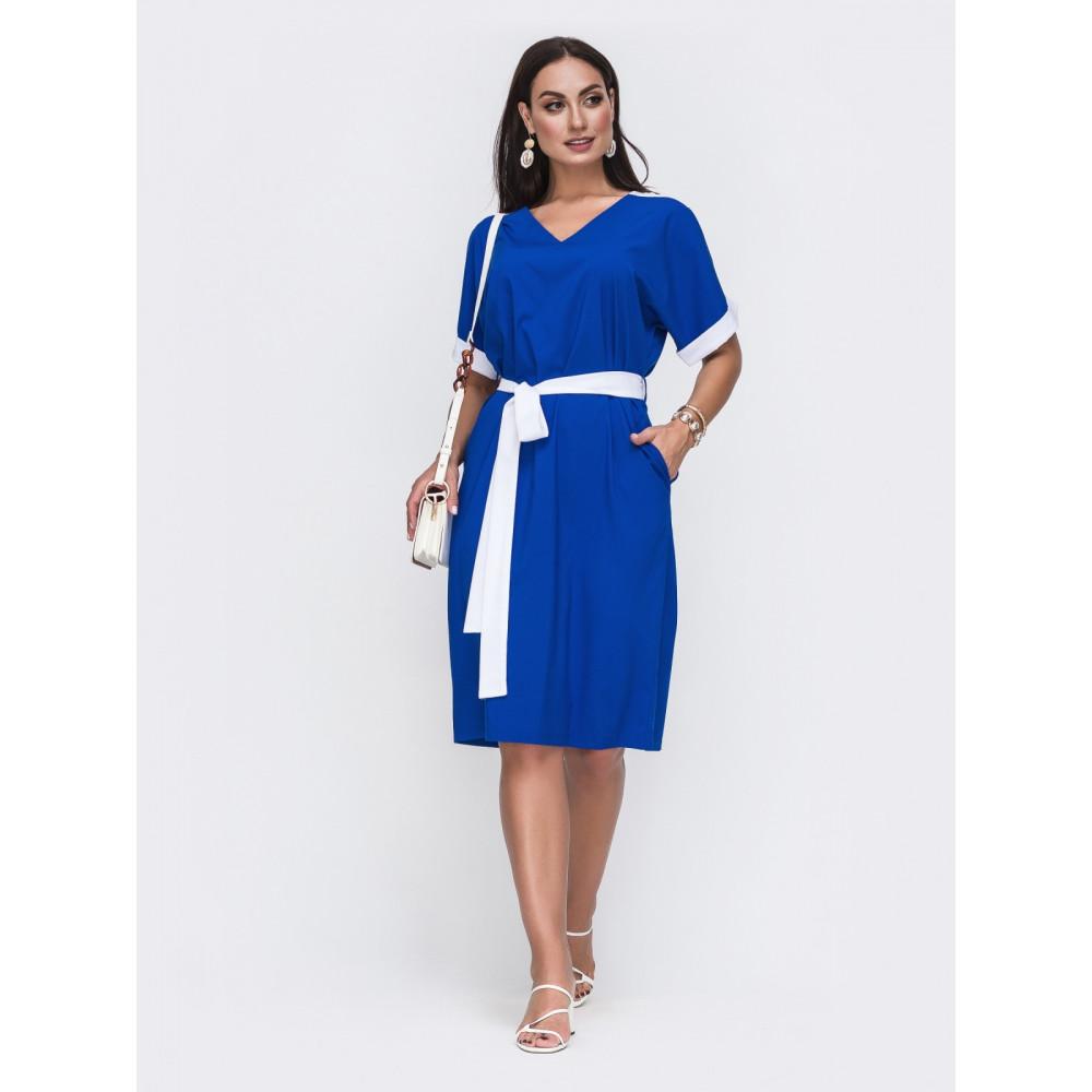 Лаконичное платье с контрастными вставками фото 1