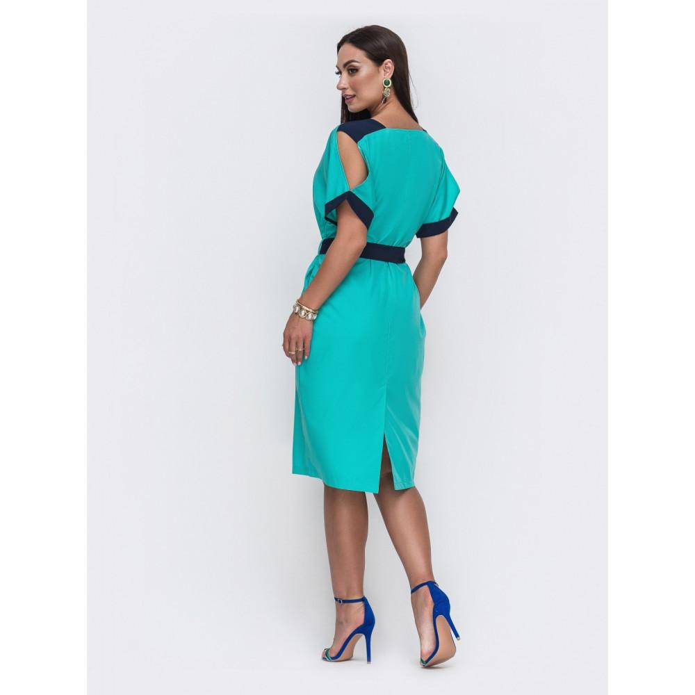 Бирюзовое платье с контрастными вставками фото 2