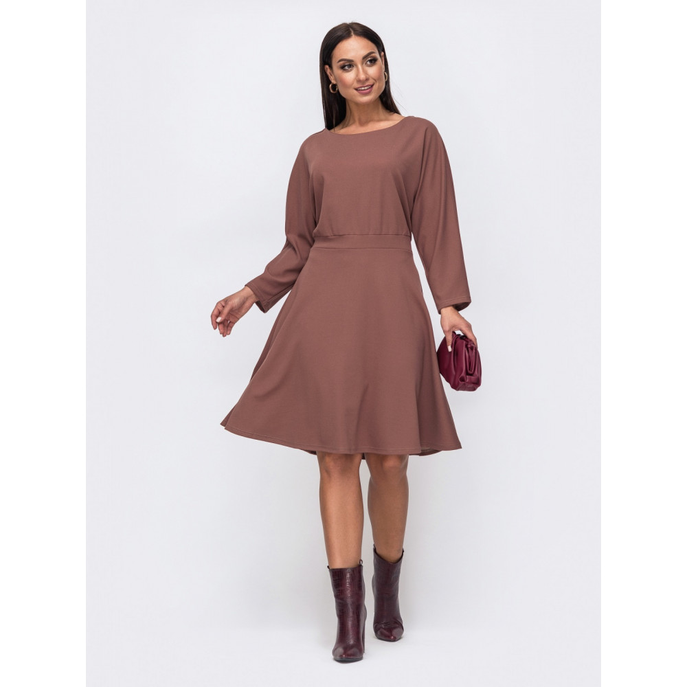 Кофейное платье с расклешенной юбкой Алика фото 1