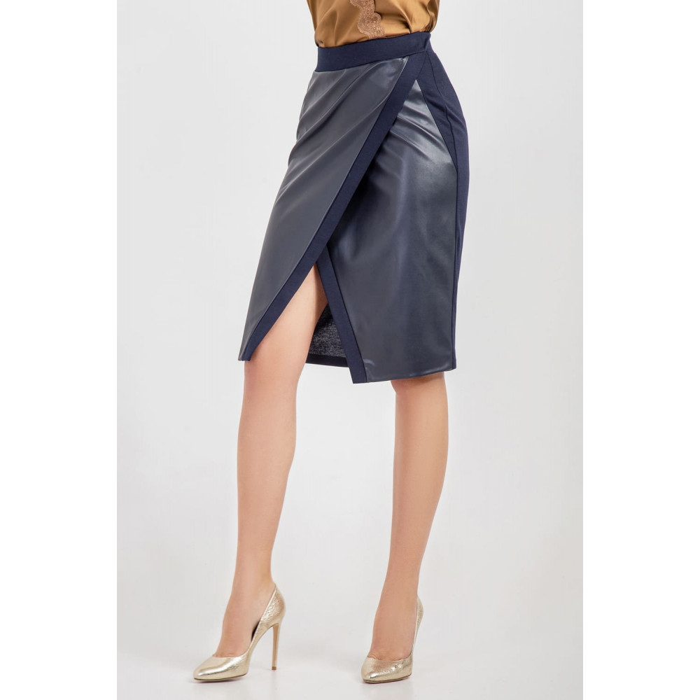 Красивая юбка на запах синего цвета фото 4