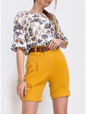 Стильні жовті шорти