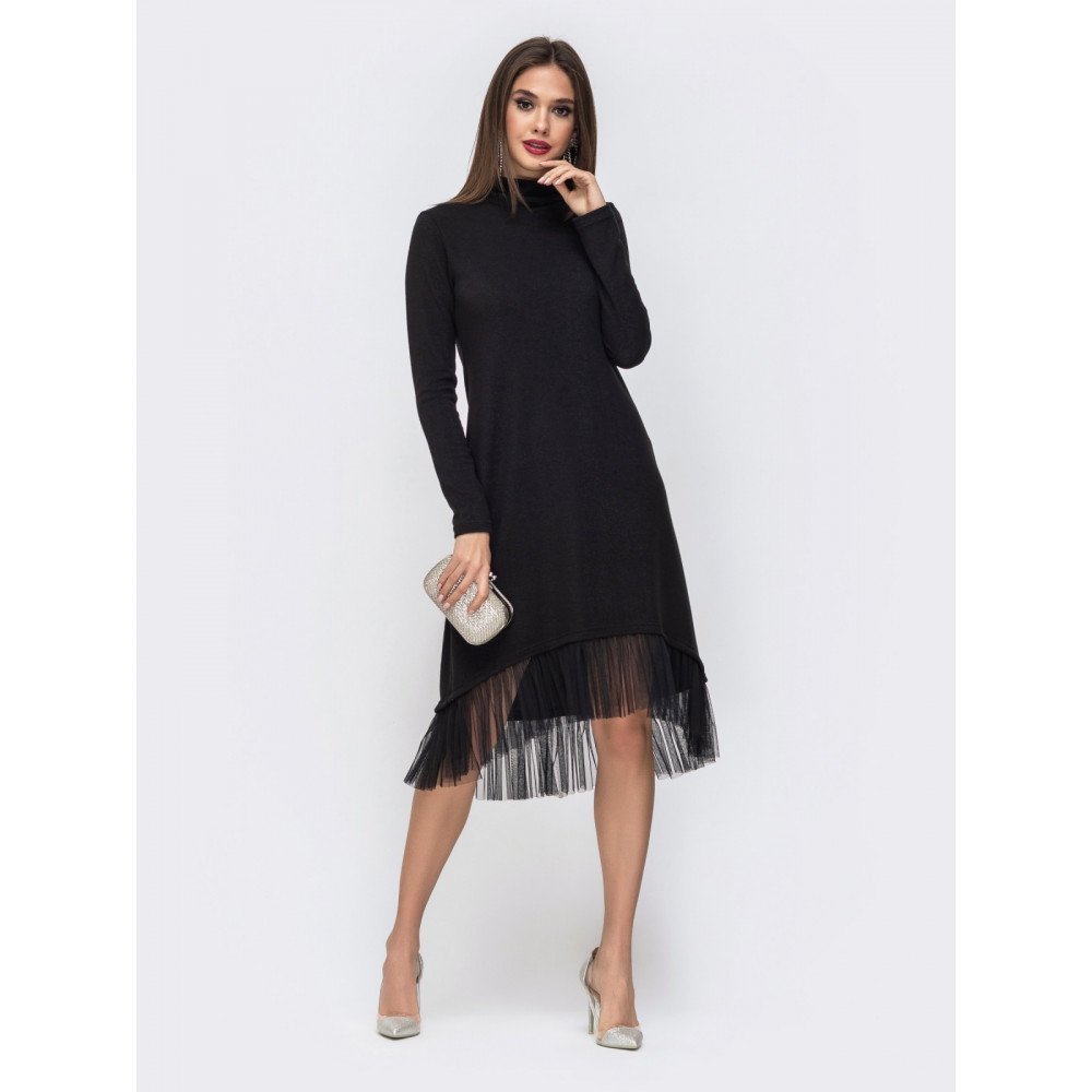 Красивое черное платье-гольф с оборкой фото 2