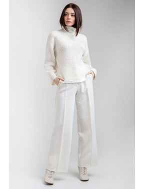 Білосніжний ошатний светр Руді