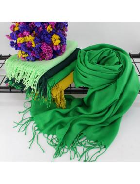 Стильный зеленый палантин Луиза