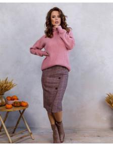 Розовый свободный свитер с высоким воротником