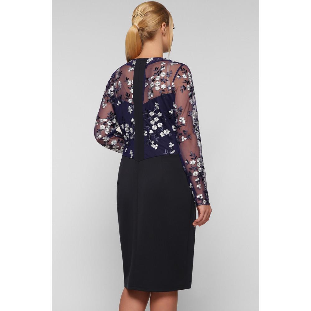 Коктейльное платье-футляр с вышивкой Адель фото 3