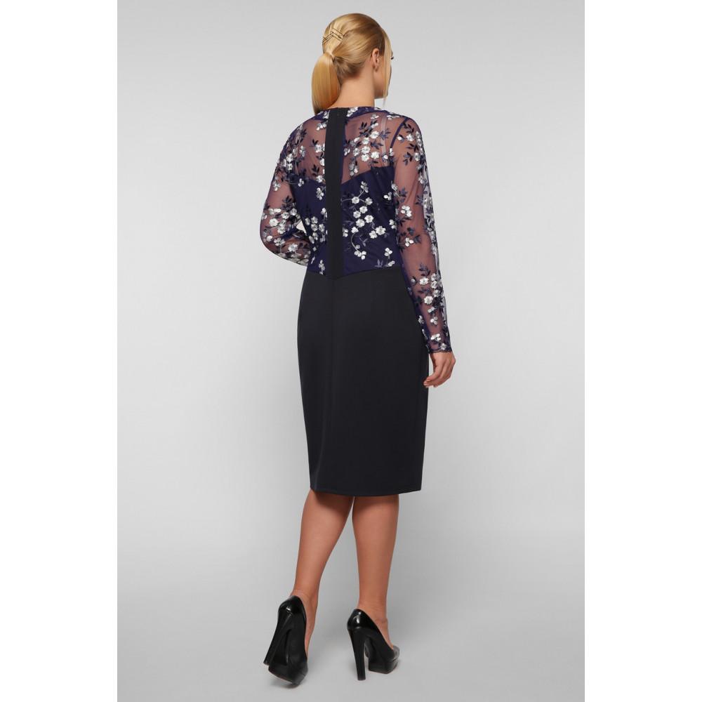 Коктейльное платье-футляр с вышивкой Адель фото 5