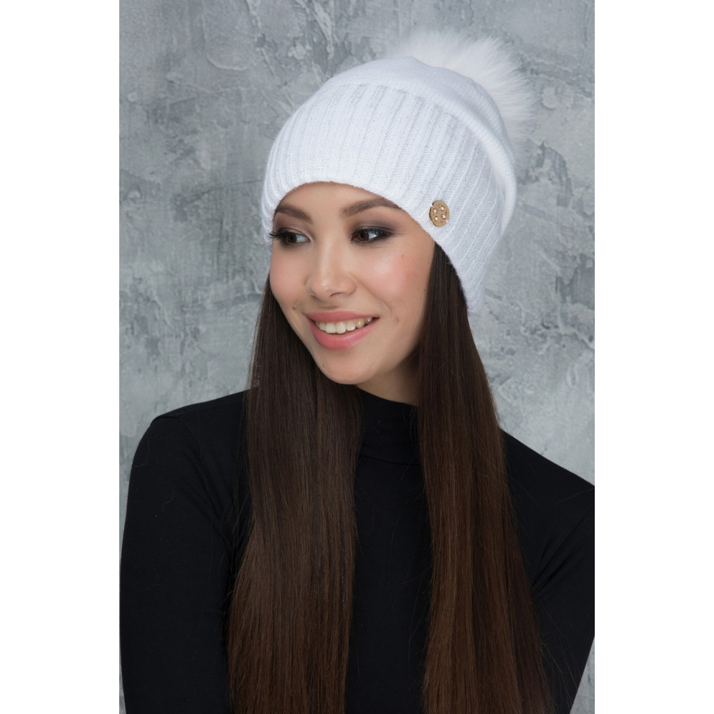 Белоснежная шапочка с помпоном Рубина фото 1