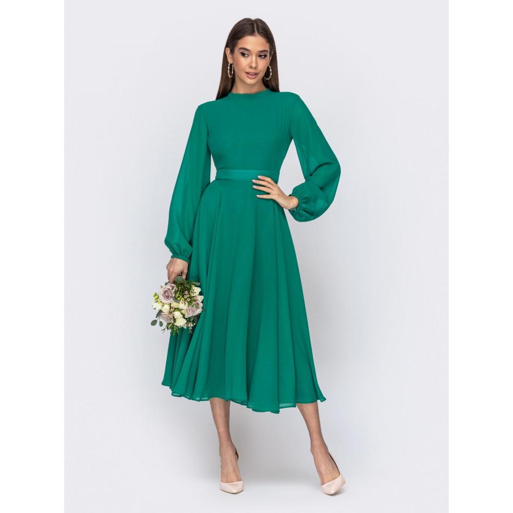 Зеленое платье с открытой спиной для особых случаев фото 1