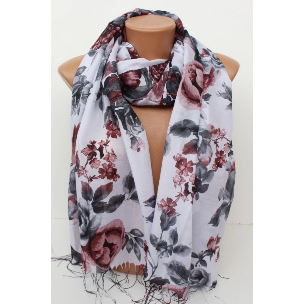 Восхитительный шарф в розы фото 1