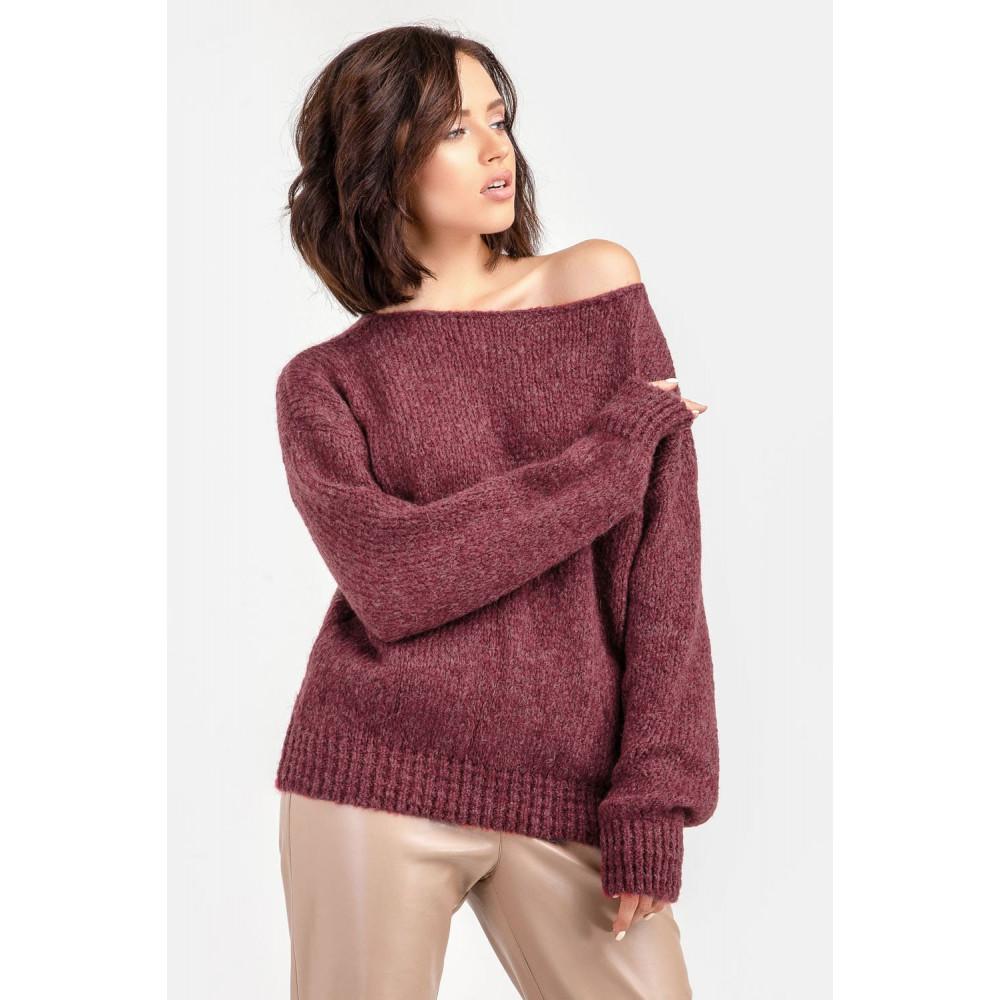 Бордовый пушистый свитер фото 5