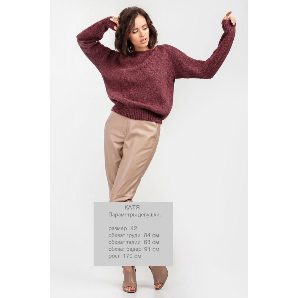 Бордовый пушистый свитер фото 2