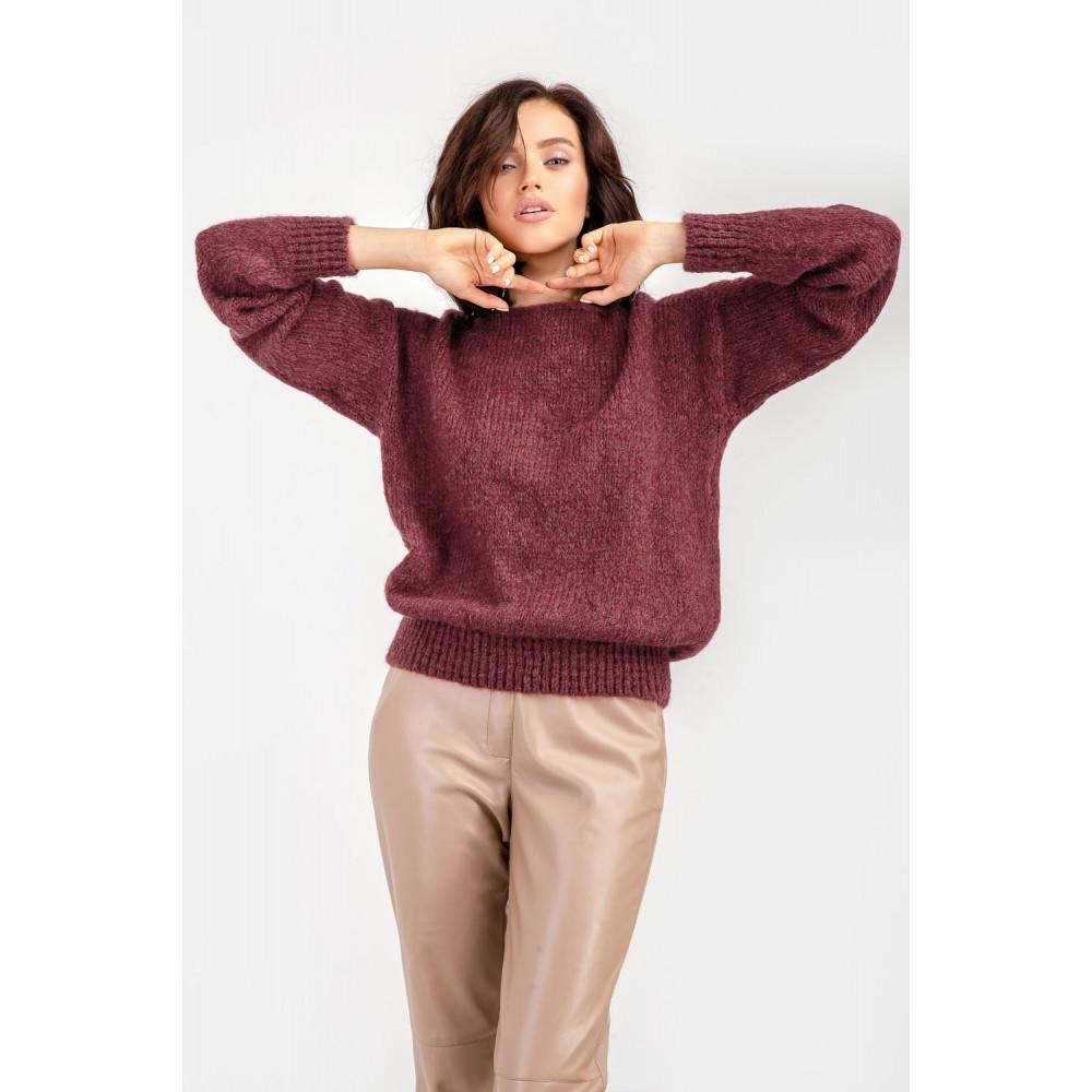 Бордовый пушистый свитер фото 3