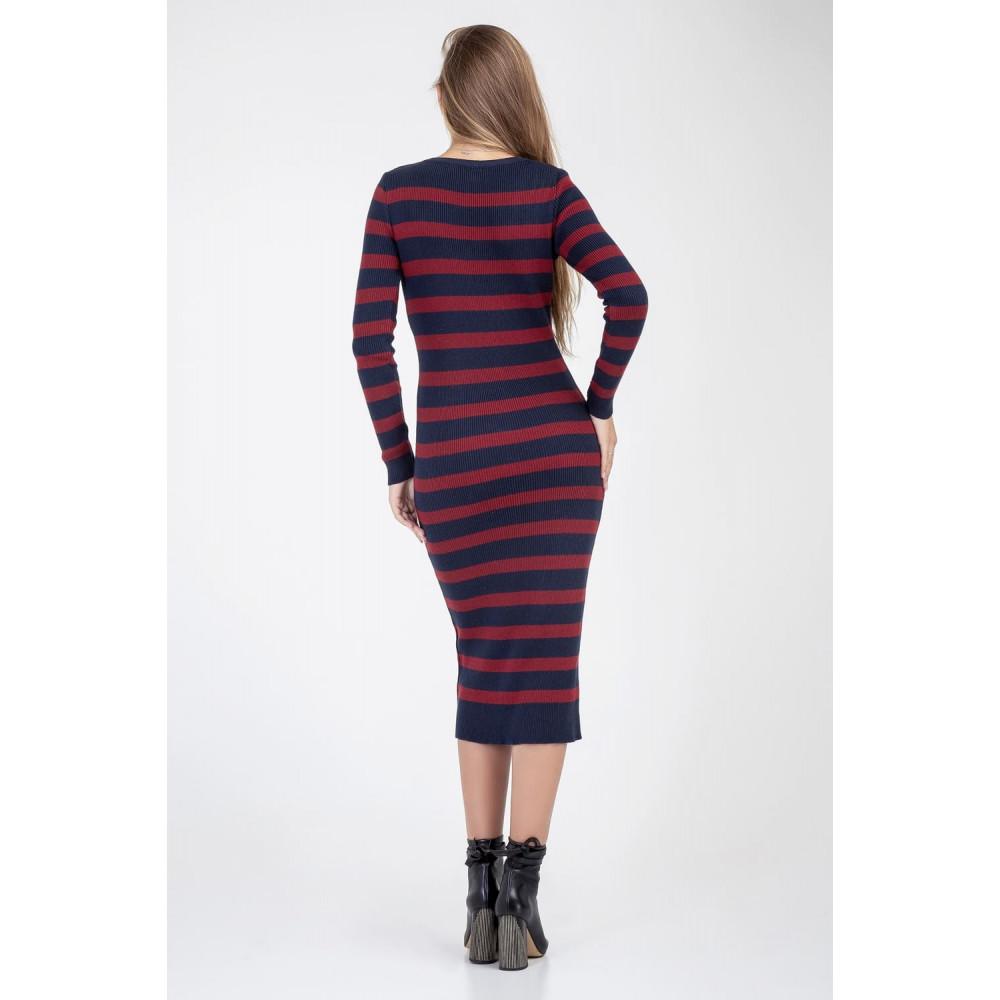 Женственное вязаное платье-миди фото 5