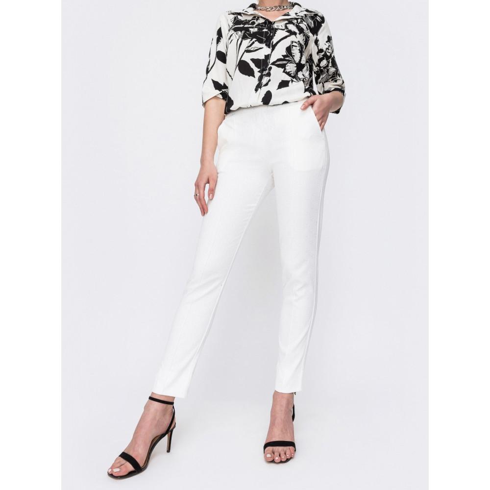 Белые брюки со стандартной посадкой фото 1