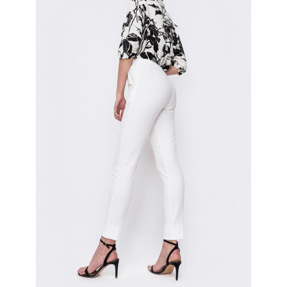 Белые брюки со стандартной посадкой фото 2