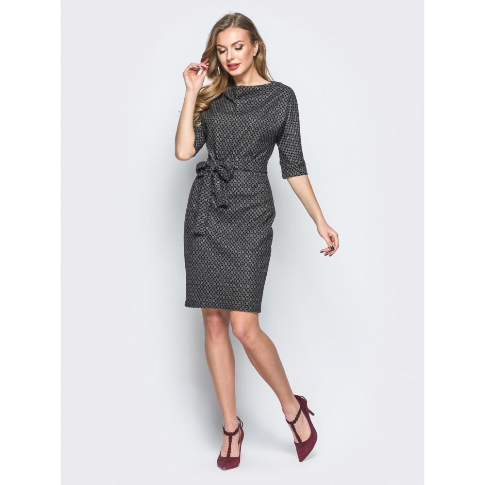 Жіночна сукня з цільнокроєним рукавом фото 1