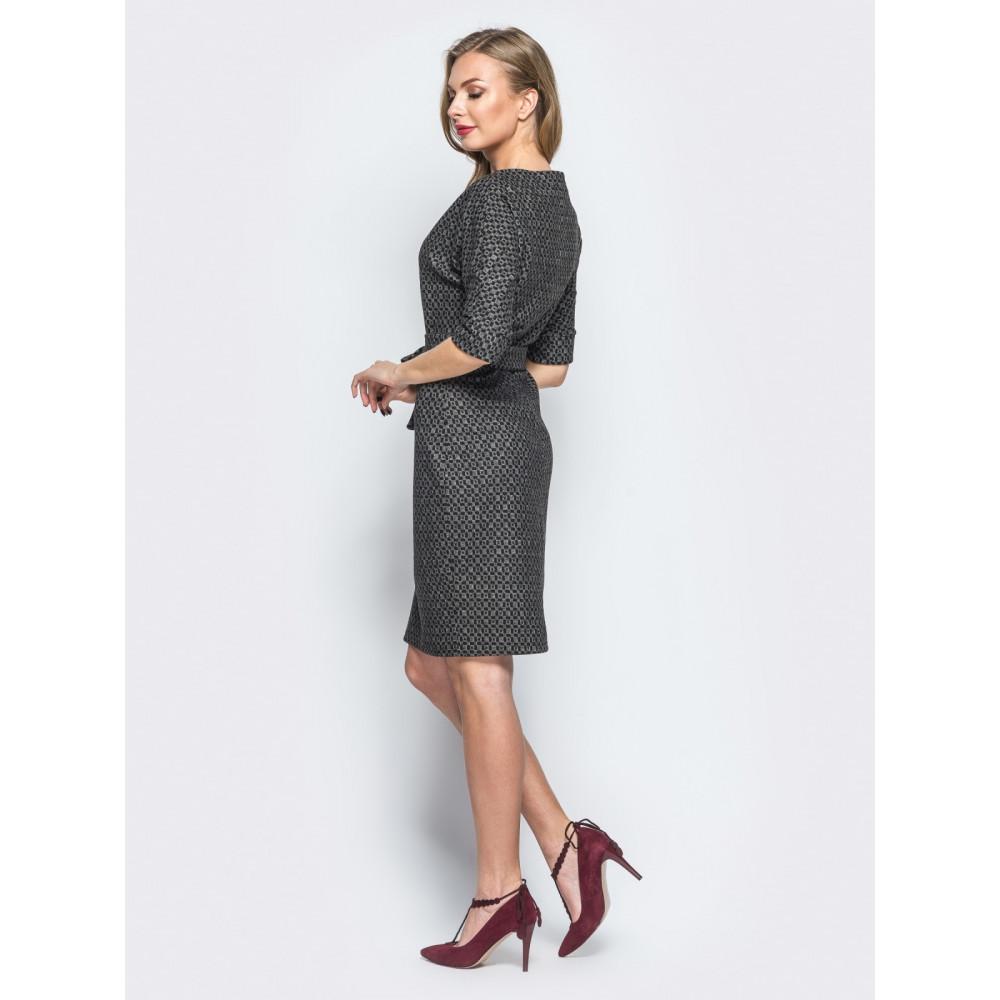 Жіночна сукня з цільнокроєним рукавом фото 2
