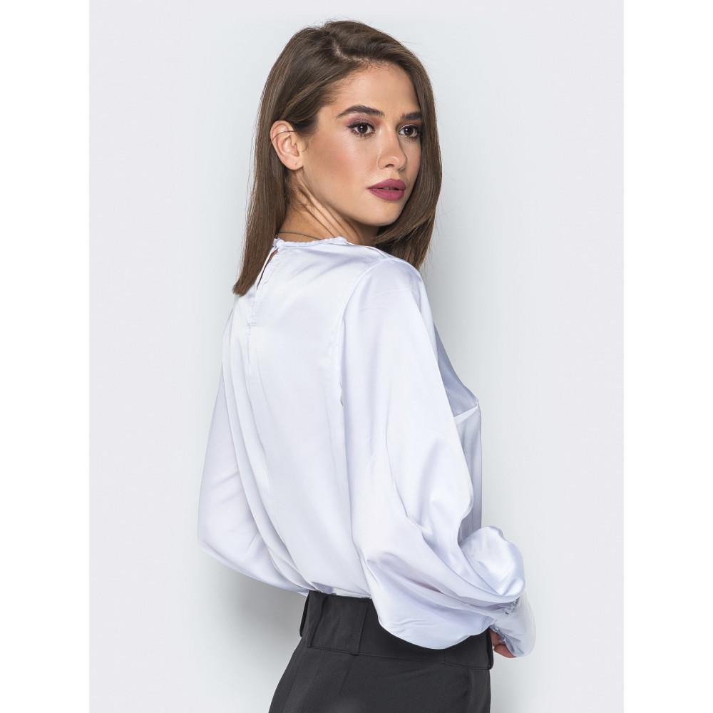Белая шелковая блузка с высокими манжетами фото 3