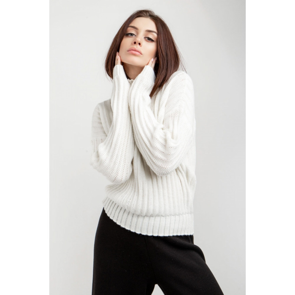 Белый свитер с вертикальным узором фото 1