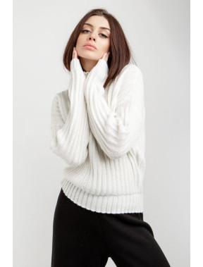 Белый свитер с вертикальным узором