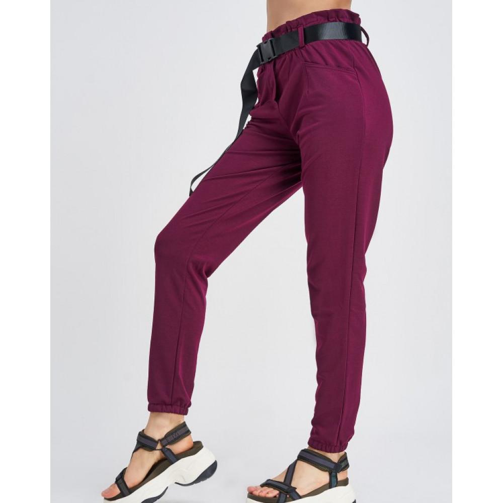 Бордовые штаны с поясом на карабине фото 2