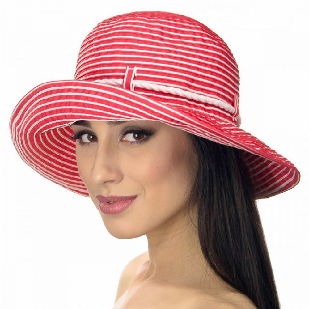 Красная шляпа в морском стиле фото 2