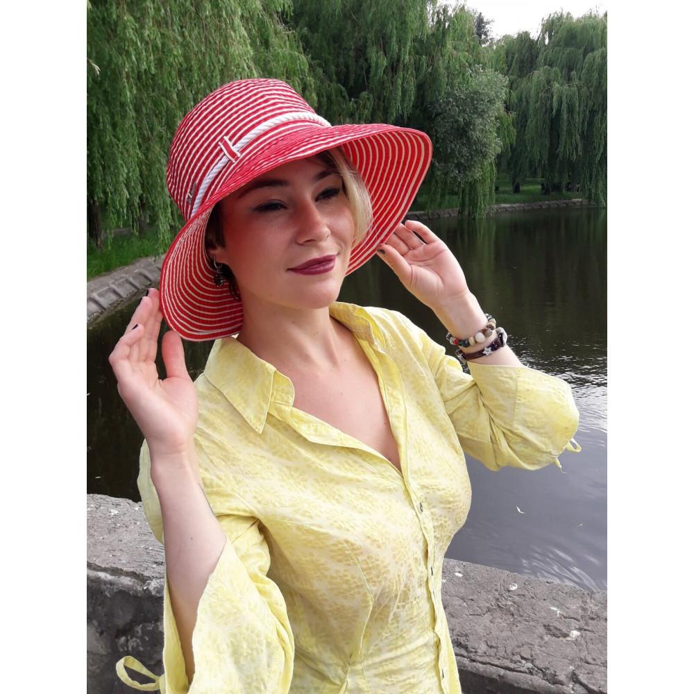 Красная шляпа в морском стиле фото 3