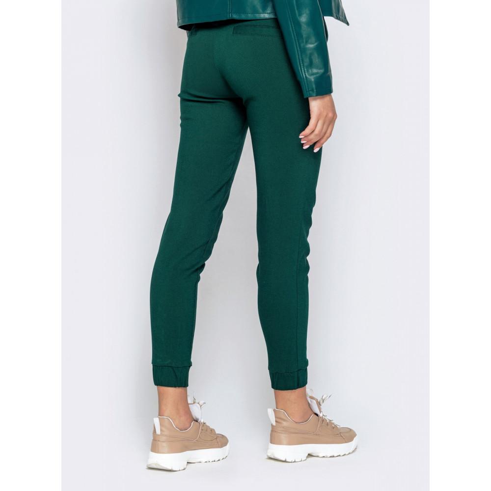 Базовые зеленые брюки средней посадки фото 3