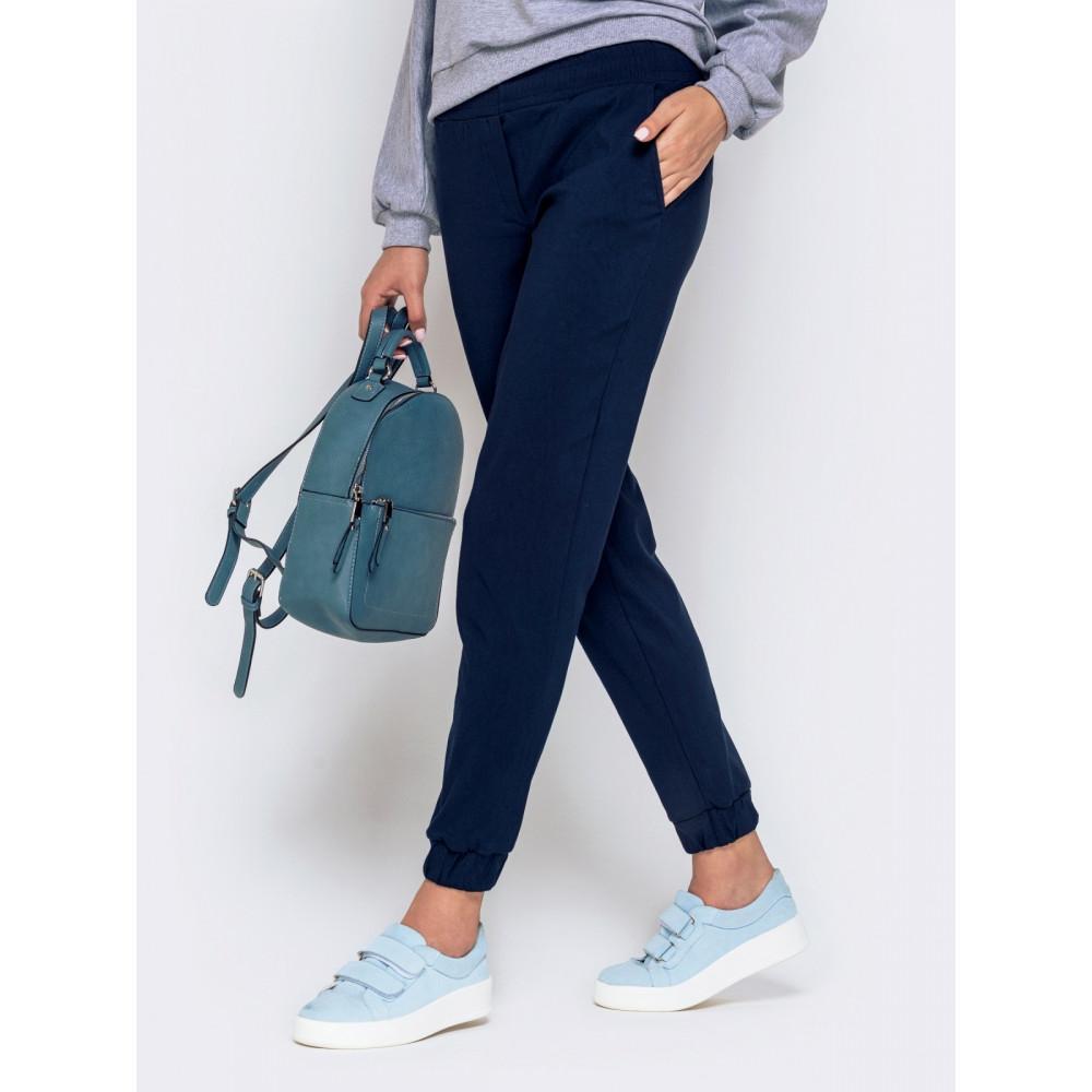 Базовые темно-синие брюки средней посадки фото 2