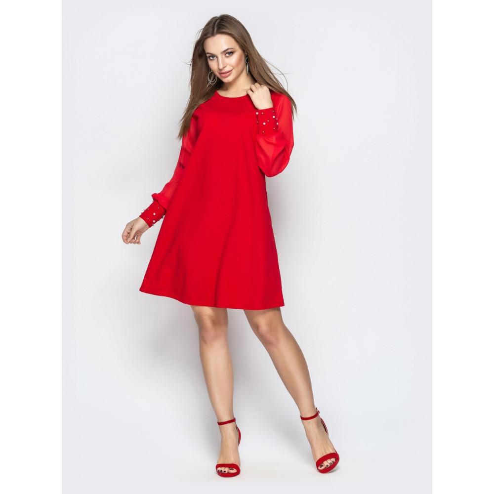 Красивое красное платье с жемчугом фото 1