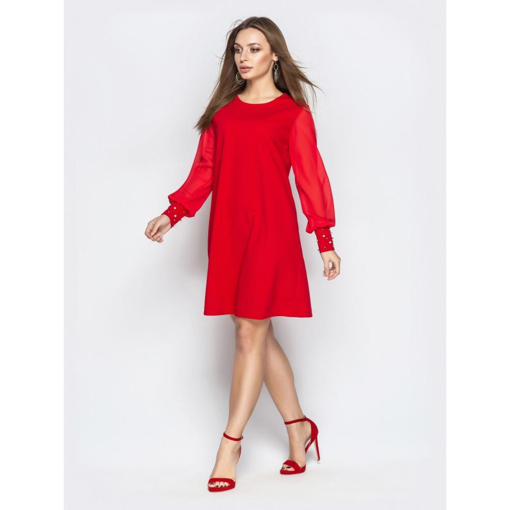 Красивое красное платье с жемчугом фото 2