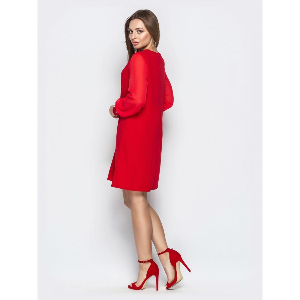 Красивое красное платье с жемчугом фото 3