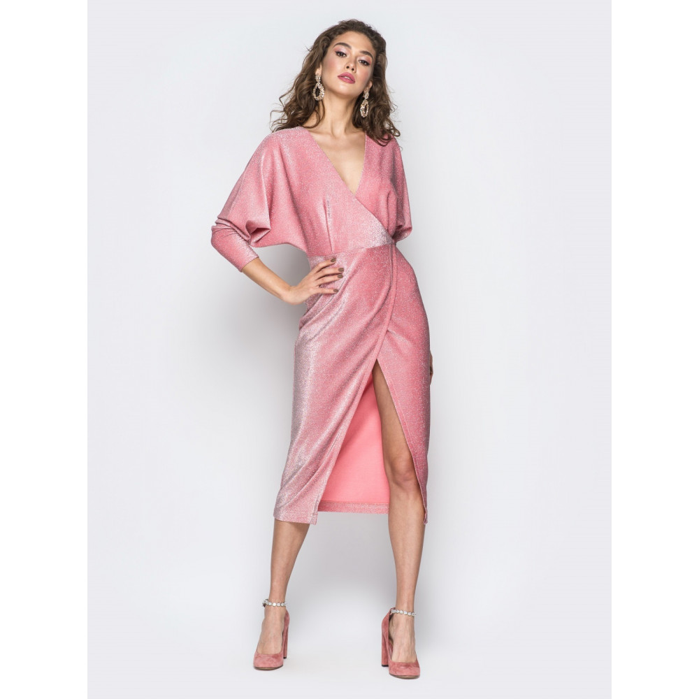 Вечернее платье с глубоким декольте фото 1