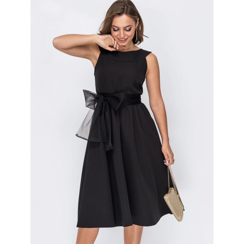 Кокетливое платье с поясом-бантом фото 1