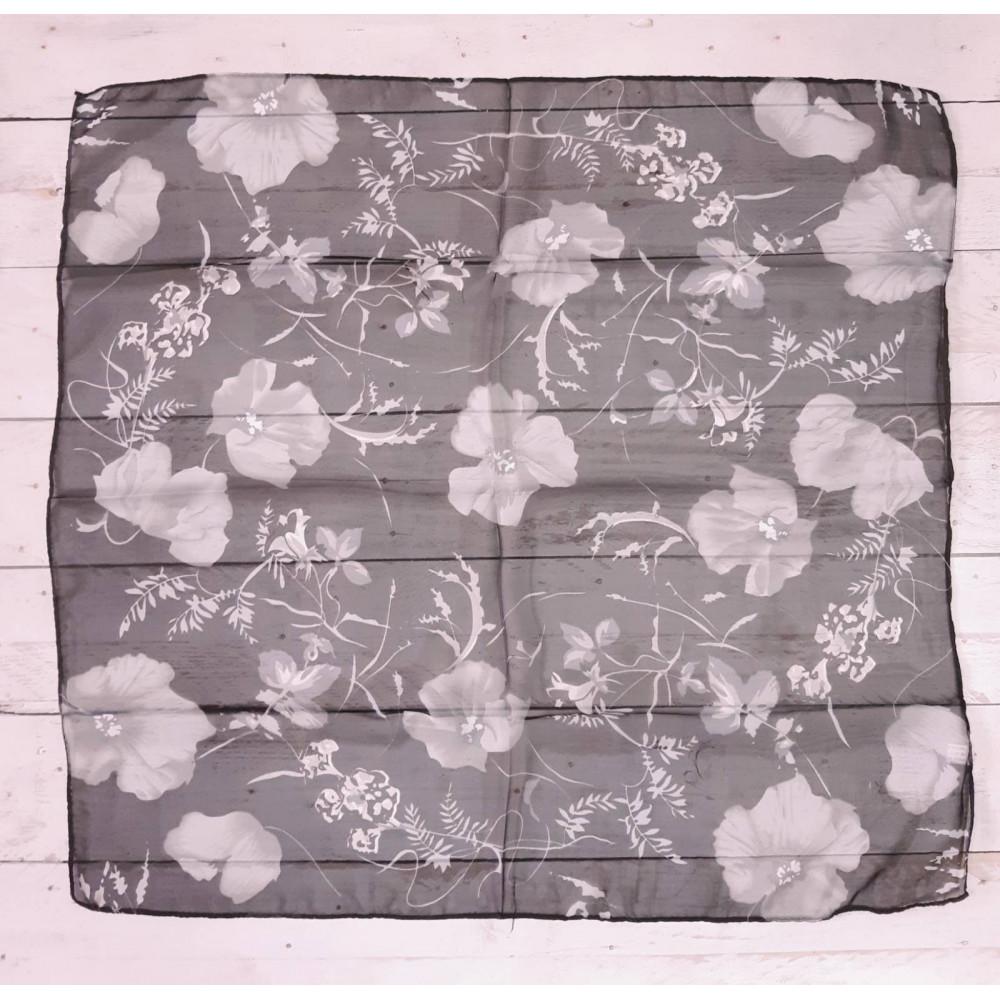Легкий платок с цветами фото 2