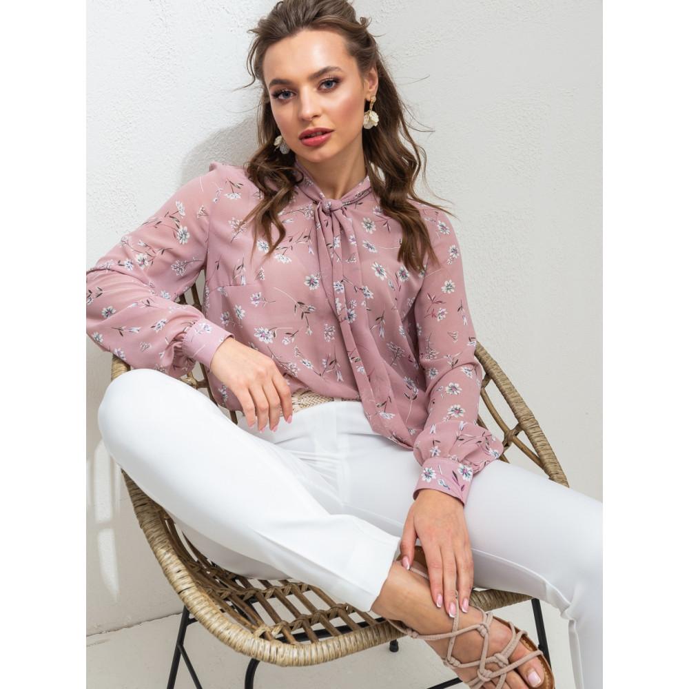 Нежная пудровая блузка в цветы Веста фото 1